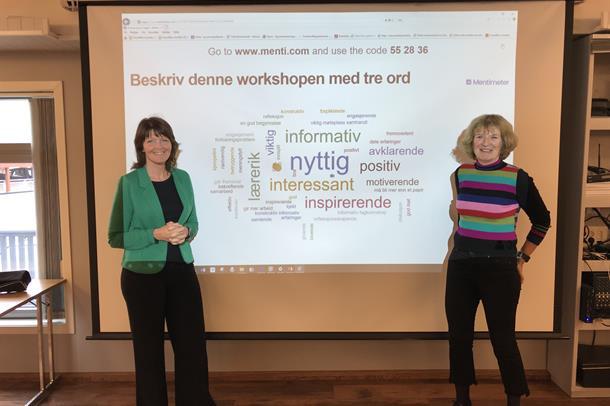 Tanja Alme og Britt Valderhaug Tyrholm med resultatet av hva deltakarane sin vurdering av workshopen