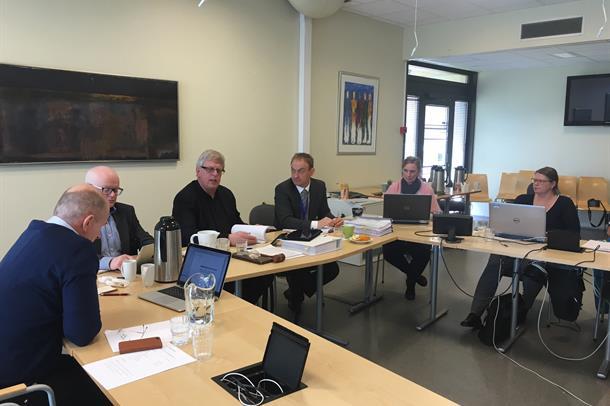 Arkivbilde frå styremøtet i april.